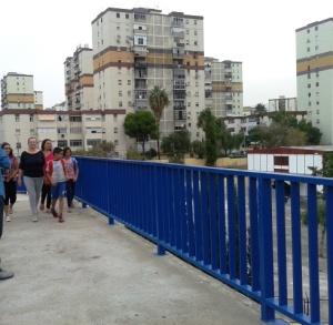 Caminando hacia el colegio