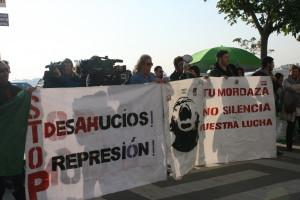 Concentración en solidaridad con los tres acusados de resistencia a la autoridad por oponerse al desahucio de corrala Buenaventura